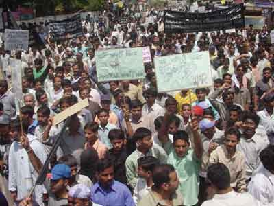 Lucknow demo against US in Iraq