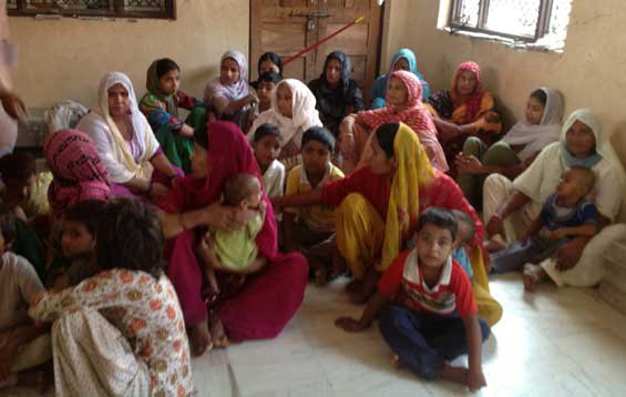 Women of uprooted families