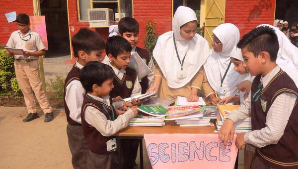 school-muslim-students-india-kids-science.jpg